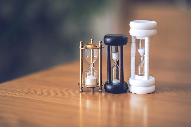 就活中のメール送信の時間は何時がベスト?