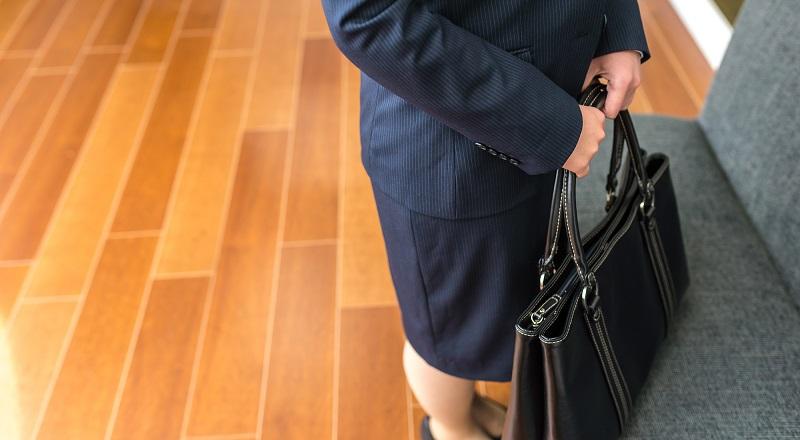 面接時のかばんのマナーについて